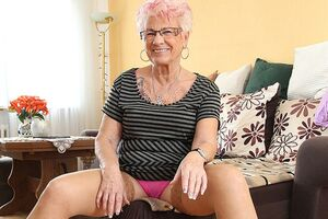 Mature Gerdi from Germany is one horny housewife