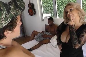 Alyssa Lynn takes BBC in front of not her son